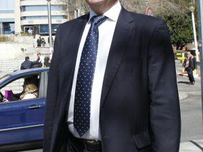 El alcalde de Coslada, Raúl López, el día 12 cuando acudía a declarar.