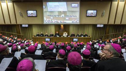 El Papa clausura una asamblea ordinaria de obispos el 27 de octubre.