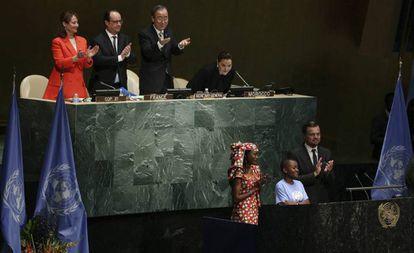 Leonardo di Caprio en la ceremonia de firma del Acuerdo de París en la ONU.