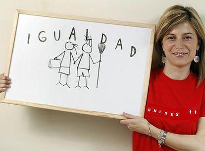 Bibiana Aído, pregonando el programa de su departamento.