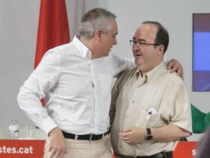 Pere Navarro y Miquel Iceta, este domingo.