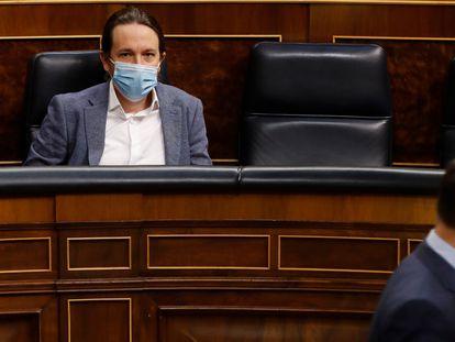 El vicepresidente Pablo Iglesias, a la izquierda, en el Congreso, la pasada semana.