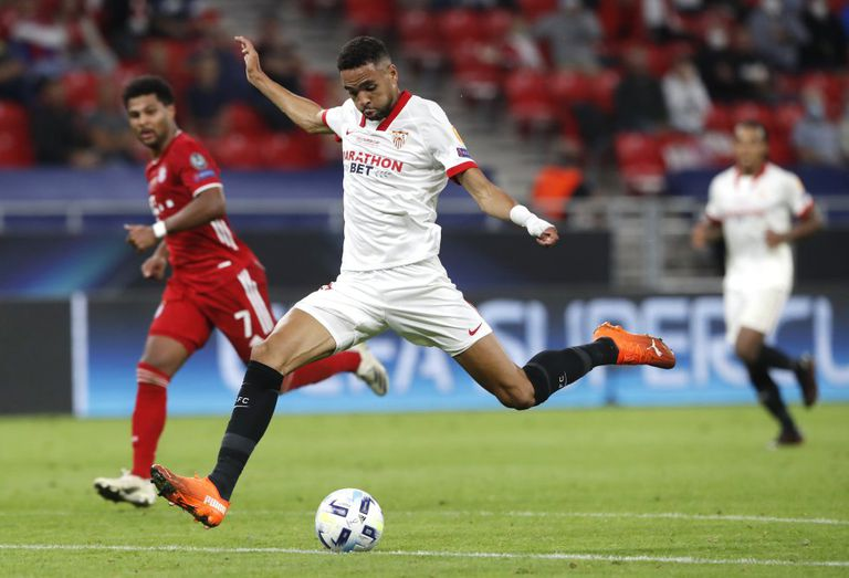 Yousseff En-Nesyri lanza a puerta en la acción en el minuto 88 que falló ante Neuer.