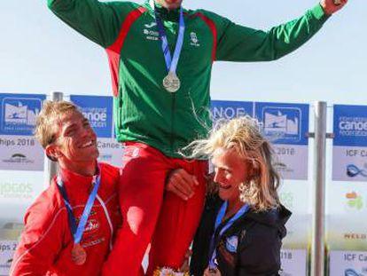 Holten Poulsen (I), Fernando Pimenta y Eivind Vold en el podio del K1-5000.