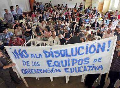 Asamblea de los orientadores pedagógicos en la Escuela Oficial de Idiomas de Villaverde.