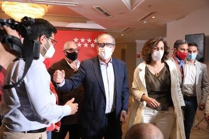 Ángel Gabilondo momentos antes de la rueda de prensa para valorar los resultados obtenidos en la jornada electoral.
