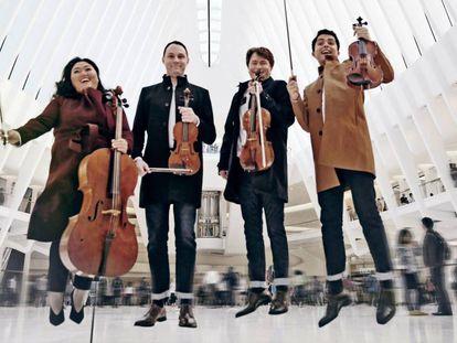 El elenco de Calidore String Quartet que se presentarán en el Auditorio con Cristina Gómez.