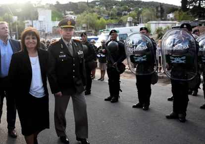 La minsitra de Seguridad, Patrica Bullrich, inagura una sede de gendarmería en Córdoba, el 14 de septimembre.