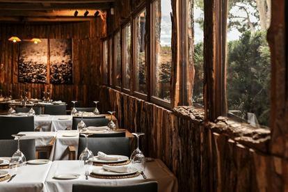 La terraza interior del restaurante Ca Joan.