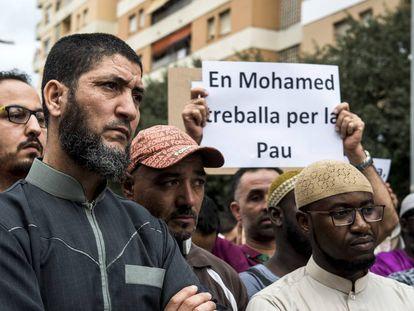Mohamed Attaouil en la manisfestación convocada en su defensa en Salt el pasado viernes.