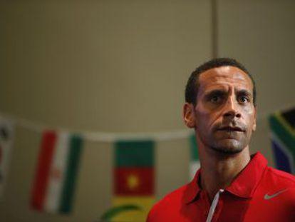 El documental que narra cómo Rio Ferdinand enviudó, se deprimió, bebió y se planteó el suicidio, conmociona a su país