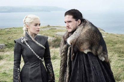Jon Snow (Kit Harington) y Daenerys Targaryen (Emilia Clarke) en una escena de 'Juego de tronos'.