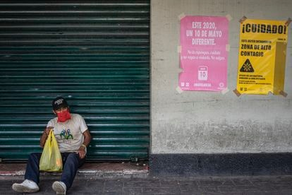 Un hombre en Xochimilco, al sur de la Ciudad de México.