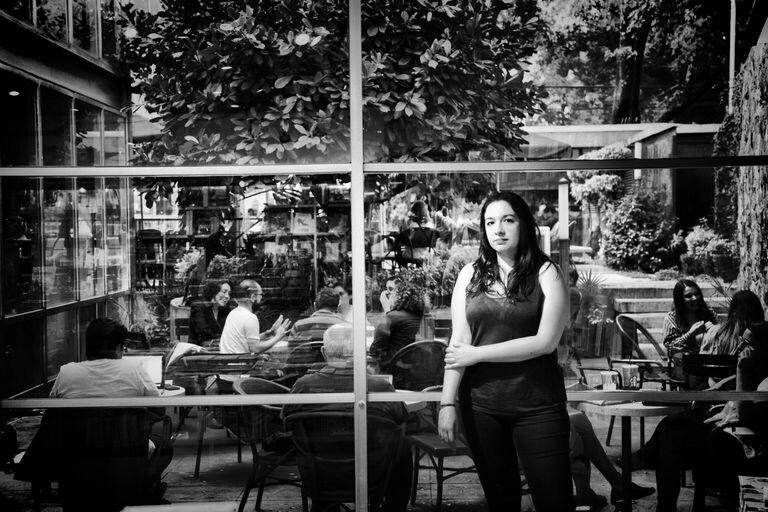 La escritora Fernanda Melchor posa para un retrato en Ciudad de México.