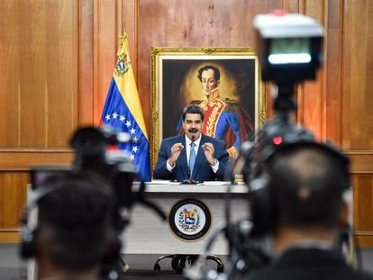 Nicolás Maduro habla en conferencia de prensa, el 14 de febrero en el Palacio de Miraflores, Caracas.