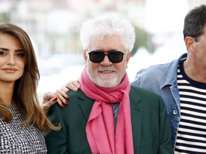 Penélope Cruz, Pedro Almodóvar y Antonio Banderas, en la presentación el pasado día 18 de 'Dolor y gloria' en Cannes. En vídeo, la quiniela para el festival de Cannes de Carlos Boyero.