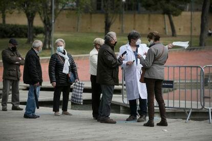 Vacunación de septuagenarios con la el fármaco de Pfizer, el 14 de abril en el Parque Tecnológico de Barcelona Activa.