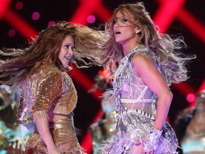 Jennifer Lopez y Shakira, durante su espectáculo en el Super Bowl.