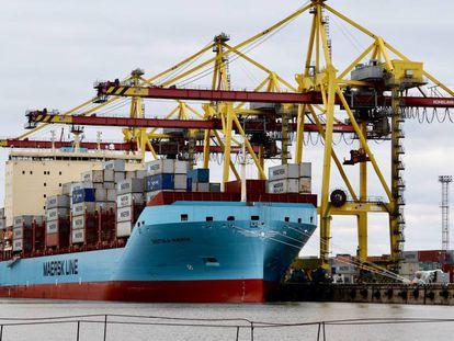 El Vistula Maersk, rompehielos gemelo del que realizará la ruta por el Ártico.