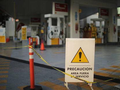 Una gasolinera cerrada en Ciudad de México.