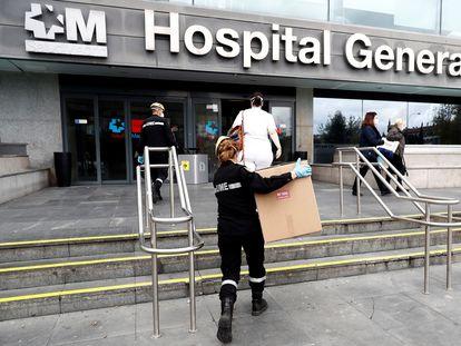 Entrega el pasado 7 de abril en el Hospital La Paz, de Madrid, de material donado.