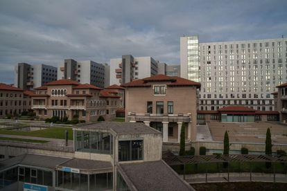 El Hospital Universitario Marqués de Valdecilla, en Santander, a donde fue trasladada la menor.