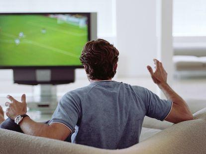 Seleccionamos las mejores ofertas en televisores Samsung, LG y Xiaomi 4K, además de proyectores y altavoces para disfrutar de la Eurocopa en casa.