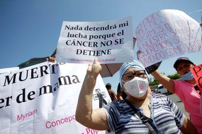 Una protesta contra la escasez de quimioterapias, en agosto.