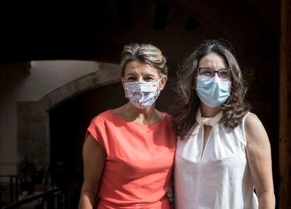 La vicepresidenta de Gobierno Yolanda Díaz, antes de la reunión con la vicepresidenta valenciana, Mónica Oltra, en la Consejería de Igualdad y Políticas Inclusivas en Valencia.   FOTO, MÒNICA TORRES EL PAÍS