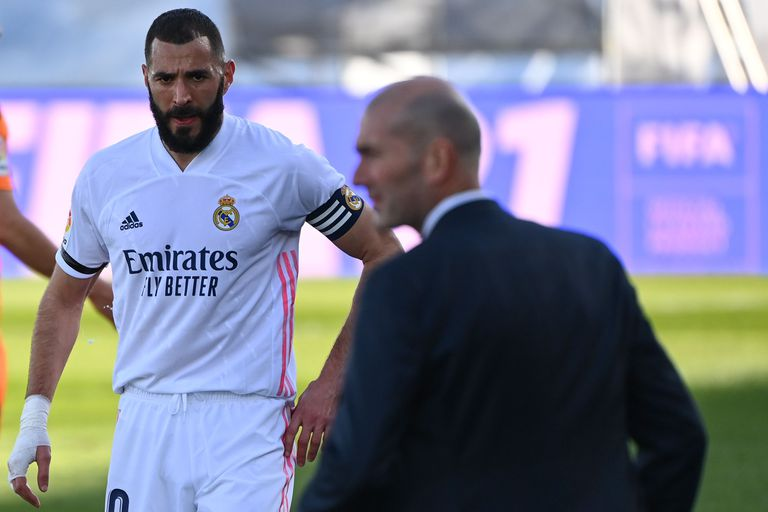 Benzema and Zidane, in the league match against Valencia two weeks ago.
