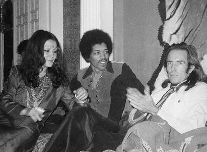 Mati Klarwein (derecha), con Stella Starlight y Jimmy Hendrix.
