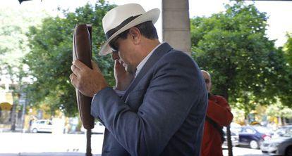 Antonio Albarracín, tras declarar ante la juez Alaya.