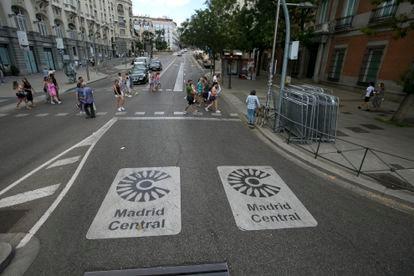 Acceso a Madrid Central desde la plaza de Las Cortes.