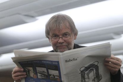El escritor noruego Jostein Gaarder, ayer en la redacción de EL PAÍS.
