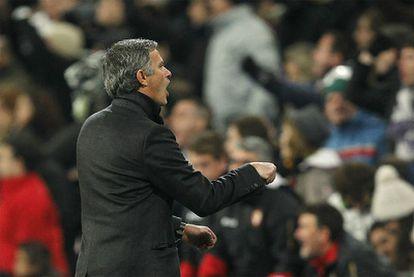 El entrenador luso, en un momento del partido contra el Sevilla, tras el que cargó con el Madrid por su falta de apoyo.