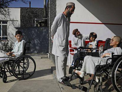 Menores víctimas de la guerra, el pasado 5 de diciembre en un centro médico de Kabul, la capital de Afganistán.