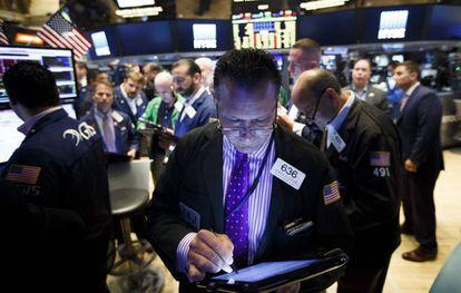 Varios agentes de la Bolsa de Nueva York