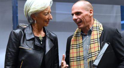 El ministro griego Varoufakis y la directora del FMI, Christine Lagarde.