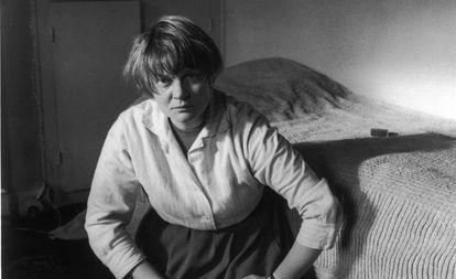 Retrato de la escritora Iris Murdoch, en 1957.