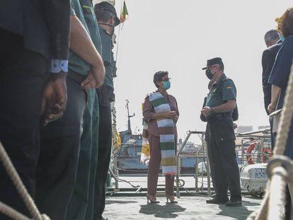 La ministra González Laya visita el Puerto de Dakar para conocer los medios de la Guardia Civil en la lucha contra la emigración clandestina. / ALIOU MBAYE / EFE