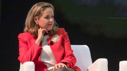 La vicepresidenta primera y ministra de Asuntos Económicos, Nadia Calviño, participa en Congreso Federal del PSOE, en Valencia.