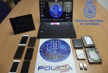 Material intervenido por la Policía a los tres detenidos en Madrid y Alicante.
