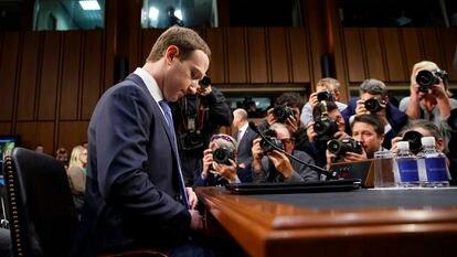 Mark Zuckerberg testifica ante el Congreso de Estados Unidos, en abril de 2018.