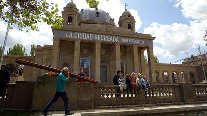 Imagen de archivo del Monumento a los Caídos, en Pamplona, durante la exposición 'La ciudad recreada'.