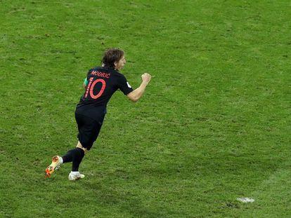 Modric celebra su gol de penalti a Rusia