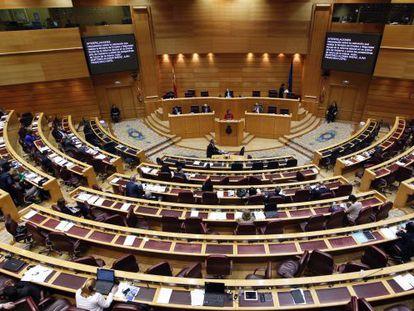 Vista del hemiciclo del pleno del Senado en una sesión de control al Gobierno.