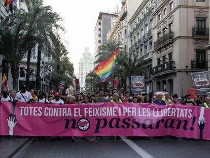 La cabeza de la manifestación contra el fascismo en Valencia.