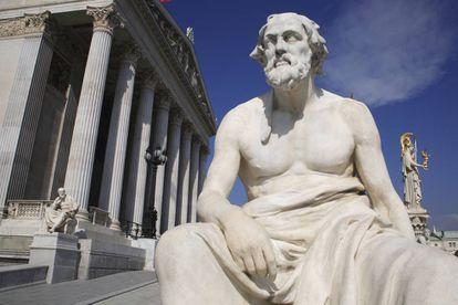 Estatua de Tucídides, el filósofo griego.