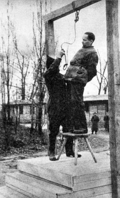 Rudolf Höss, a punto de ser ejecutado en Auschwitz en 1947.