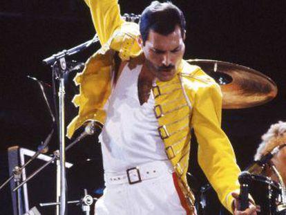 En esta grabación de un concierto de Wembley están resumidos los poderes del líder de Queen